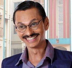 Patrakar Popatlal aka Shyam Pathak