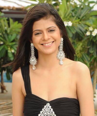 Rucha Gujarati as Mahima Jaswant Rana