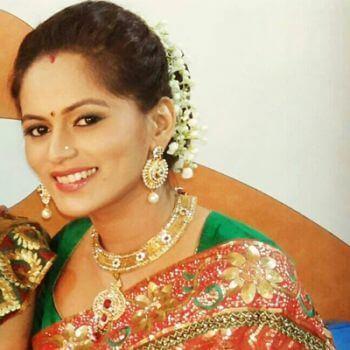 Urmi's sister-in-law aka Vibhuti Thakur