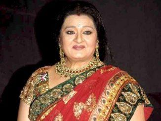 Apara Mehta as Savita Mansukh Virani