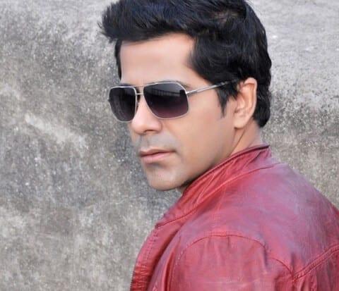 Gunjan Utreja as Abhay Kapoor