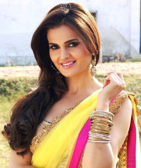 Monica Bedi as Gumaan