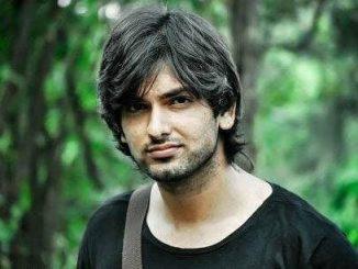 Rahul Sharma as Akash Garg