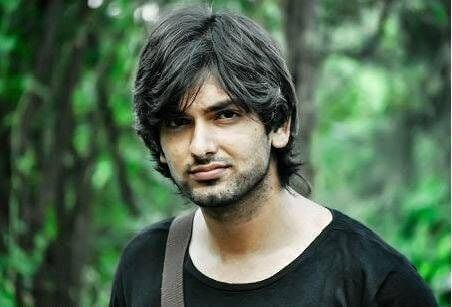 Rahul Sharma as Akash Garg