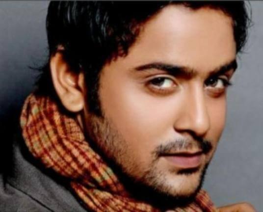 Varun Khandelwal as Sunil