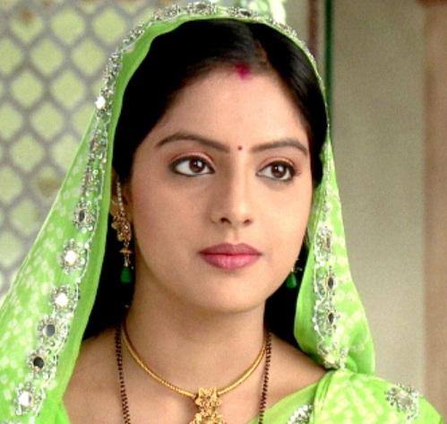 Diya Aur Baati Hum Characters Real Names with Photographs