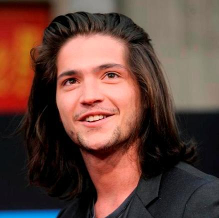 Finn Collins aka Thomas McDonell