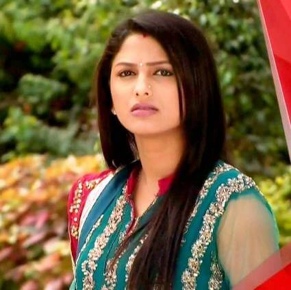 Rucha Hasabnis as Rashi Modi