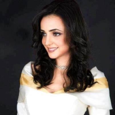 Sanaya Irani as Parvati (Paro)