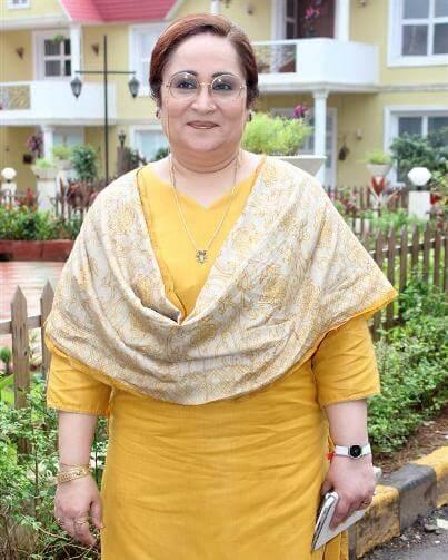 Suman Nani aka Meenakshi Sethi