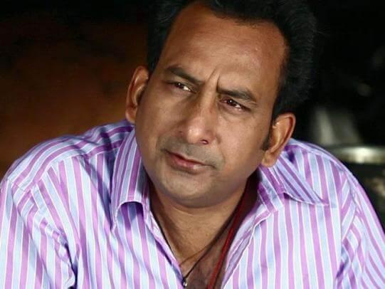 Pandeyji aka Hemant Pandey
