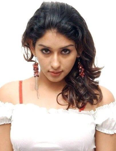 Roshni Rawte aka Samiksha