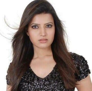 Sania Meerchandani aka Sarika Dhillon