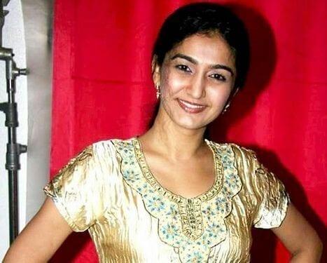 Saroj/Pushpa aka Neha Mehta