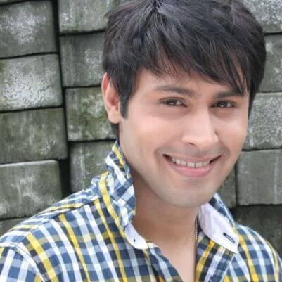 Arjun aka Sudeep Sahir