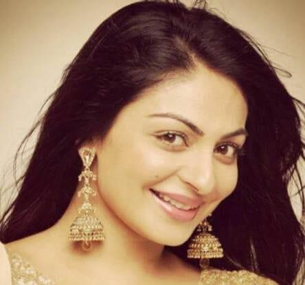Nandini aka Neeru Bajwa