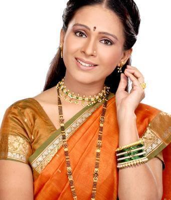Savitri Garodia aka Aishwarya Narkar