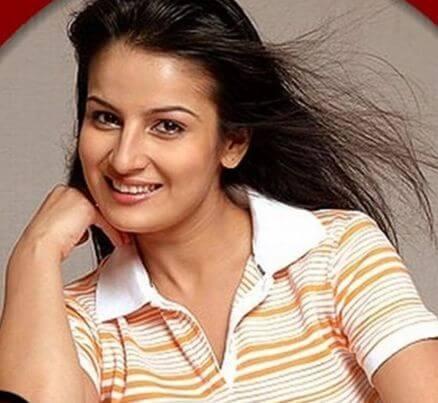 Tanya aka Priyanka Bassi