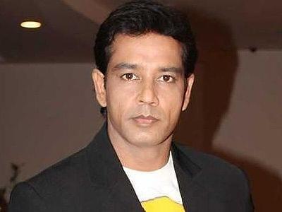Ajay aka Anoop Soni