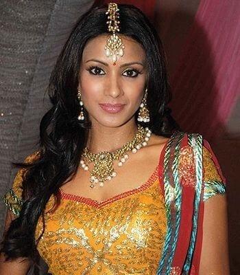 Dhaani Raghuvanshi aka Barkha Bisht Sengupta