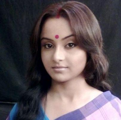 Anushka Narayan Shastri/Anushka Rajat Sareen original name is Ishita Ganguly