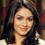 Bulbul Arora original name is Mrunal Thakur