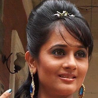 Vishakha Parekh original name is Amita Choksi