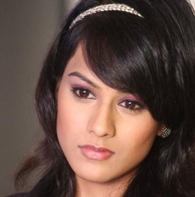 Anu, Rachna's cousin original name is Nia Sharma