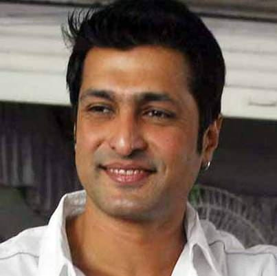 Mahen Kapoor original name is Salil Ankola
