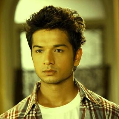 Nikhil Tiwari original name is Fahad Ali