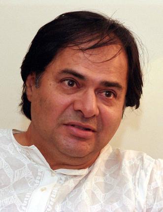 Prof. Bansi Lal Kachroo original name is Farooq Sheikh