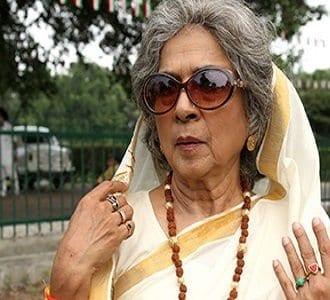 The mother of Ravi and Mahesh original name is Uttara Baokar