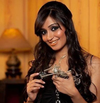 Gayatri Kapoor original name is Pallavi Subhash Chandran