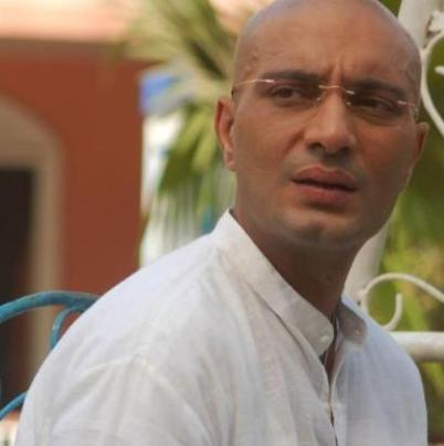 Mahesh original name is Amit Behl