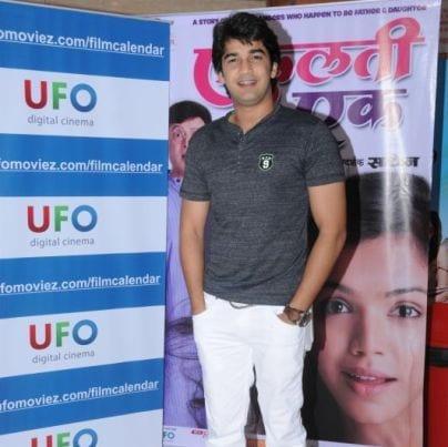 Mohan Nanavati original name is Madhav Deochake