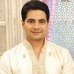 Naitik Raj Singhania original name is Karan Mehra