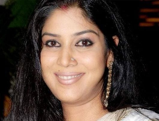 Parvati Om Agarwal / Jhanki Devi Dixit original name is Sakshi Tanwar