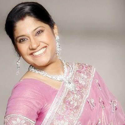 Pooja original name is Renuka Shahane