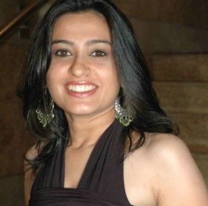 Priya original name is Smita Bansal