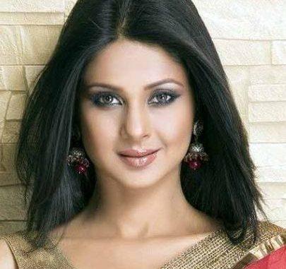 Ganga Sagar Bhatia original name is Jennifer Winget