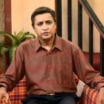Krishnakant Vasavda a.k.a. Pappa original name is Deepak Gheewala
