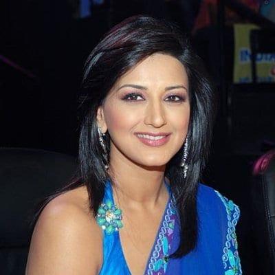 Shobha Sachdev original name is Sonali Bendre