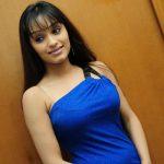 Siddhi original name is Aarya Vora