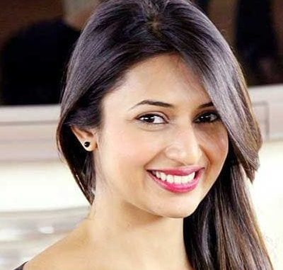 Suman a.k.a. Chinki Dwivedi original name is Divyanka Tripathi