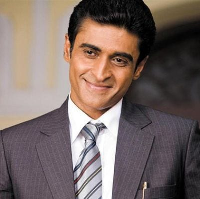 Dr. Ashutosh Mathur original name is Mohnish Bahl