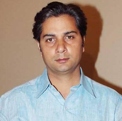 Kaliprasad original name is Varun Badola
