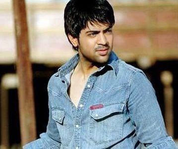 Manav Rathore original name is Maninder Singh