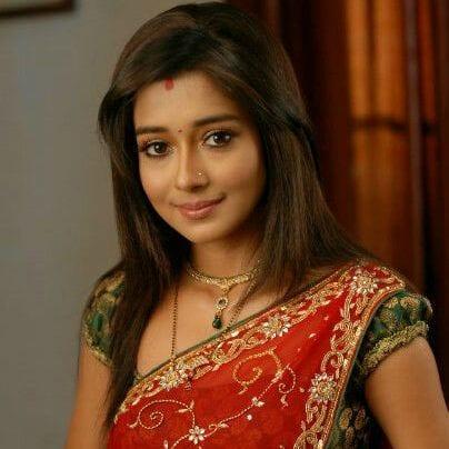 Meethi Akash Chatterjee original name is Tina Dutta