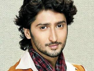 Mohan Bhatnagar original name is Kunal Karan Kapoor