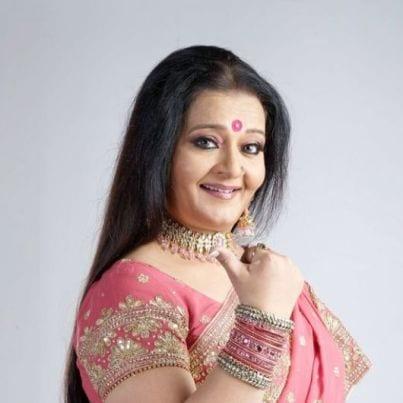 Paro Sameer Nanavati original name is Apara Mehta